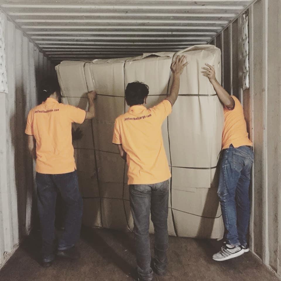 Shipping Lombok to New Zealand