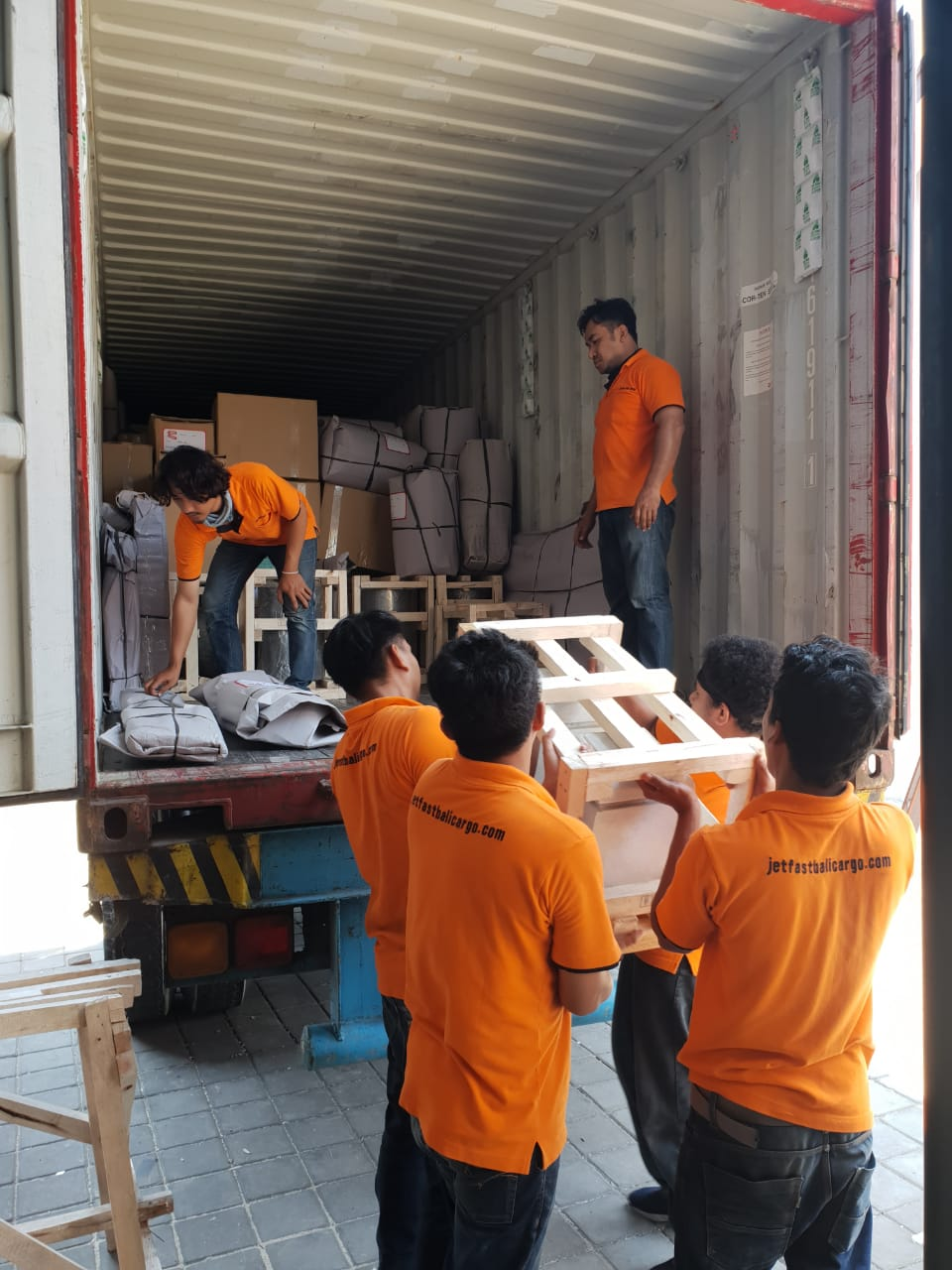 Shipping Bali to Melbourne