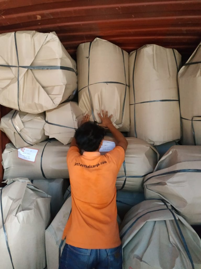 Bali Lighting container Stuffing